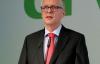 Dr. Henning Ehlers stellt den Geschäfstbericht vor