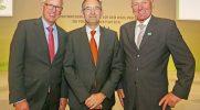 Hauptgeschäftsführer Dr. Henning Ehlers, Matthias Jung, Vorstand Forschungsgruppe Wahlen e.V. und DRV-Präsident Manfred Nüssel